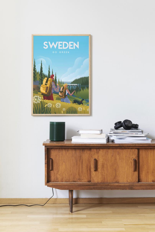 Affisch som föreställer två campare och en hund i Sverige